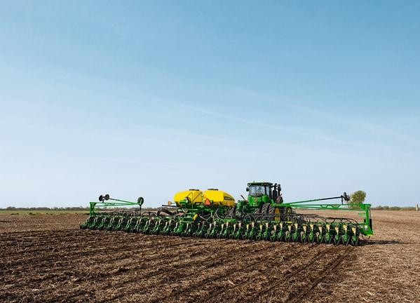 Plantadora Grano Grueso DB62 en campo.