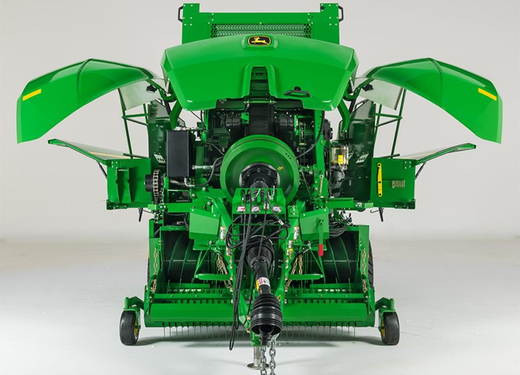 Las enfardadoras L340 recogen material de forma eficiente produciendo fardos compactos y de mayor peso.