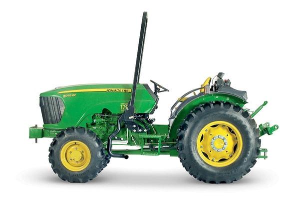 Imagen de estudio Tractor 5076EF.