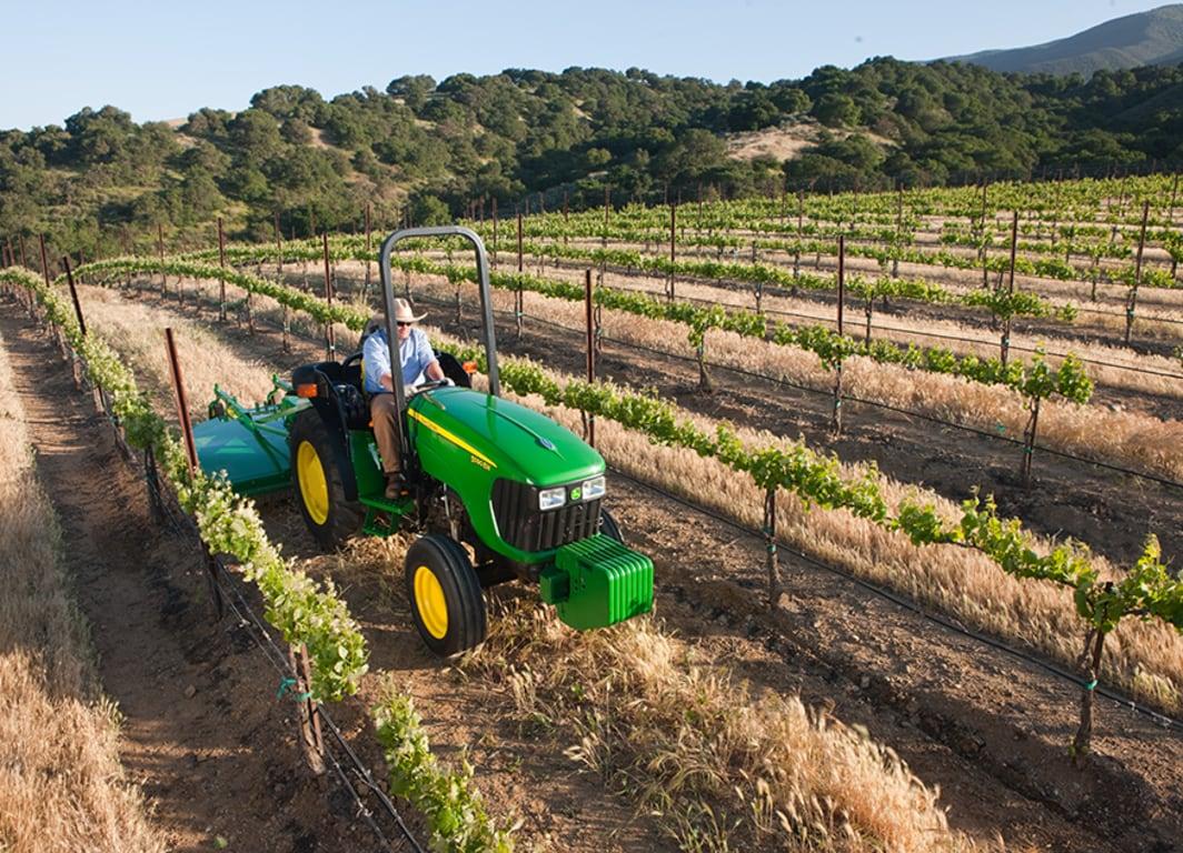 Tractor 5090EN: Mayor productividad y confort con el nuevo tractor angosto.